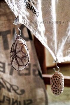good idea, table cloth weights •✿• Teresa Restegui http://www.pinterest.com/teretegui/ •✿•