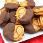 "Sweet Pea's Kitchen » Peanut Butter ""Buckeye"" Pretzel Bites"