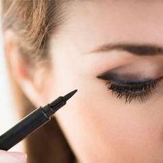 Eyeliner perfekt auftragen? So geht's!