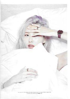 Yg Entertainment, South Korean Girls, Korean Girl Groups, Korea Wallpaper, W Korea, Blackpink Members, Rose Park, Blackpink Photos, Blackpink Fashion