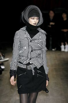 Junya Watanabe Comme Des Garcons Artistic Twisted Jacket AD2007 #Commedesgarcons #BasicJacket