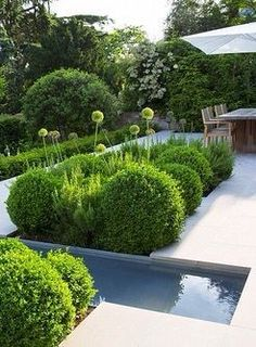 29 Easy Garden Projects You Can Build Yourself To Complement Your Backyard Formal Garden Design, Contemporary Garden Design, Contemporary Landscape, Landscape Design, Modern Landscaping, Backyard Landscaping, Formal Gardens, Outdoor Gardens, Garden Wallpaper