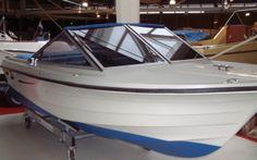Draco 1700 DRACO 1700  Schönes Einsteiger-Boot, ideal zu Trailern und passt in jeden Bootsplatz. Die Sitzbank kann einfach in eine grosse Liege umgewandelt werden. Verdeck, ... Preis: CHF 10.000,-Bodenseezulassung:Nein Jahrgang:1986Breite:2.10 m Angebot:OccasionenLänge:5.15 m Typ:Sportboot
