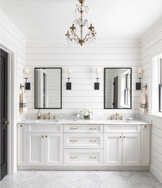Create perfect lighting with these tips on chossing bathroom light fixtures. Use 3 layers of bathroom light fixtures to create natural bathroom lighting. Bathroom Mirror Storage, Bathroom Vanity Designs, Bathroom Mirror Lights, Bathroom Light Fixtures, Bathroom Vanity Lighting, Bathroom Colors, Wall Sconces, Bathroom Vanities, Vanity Mirrors
