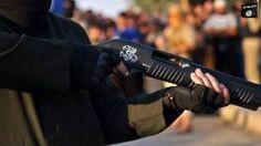 Estado Islámico Violencia extrema y parques de atracciones: así es la propaganda de Estado Islámico BBC Mundo Esta imagen está tomada de un video que muestra la ejecución de un supuesto asesino de una madre y sus tres hijos.