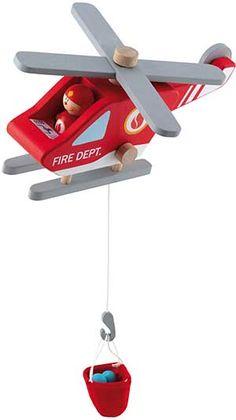 Sevi brand helikopter i trä, leksak för barn. Rejäl helikopter av trä. På den kan