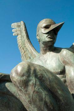 Escultura en el Espacio Cultural Metropolitano.  #Tampico #Madero #Altamira #Tamaulipas #Mexico #Arte  #Cultura    ========================   Rolando De La Garza Kohrs http://About.Me/Rogako ========================
