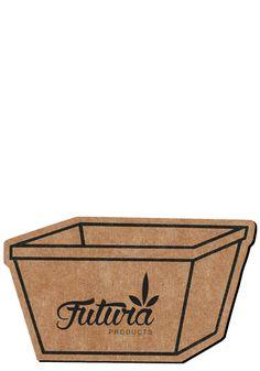 A useful useful recycling bin magnet.