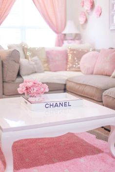 The Most Girly Pink Decor For A Feminine Home Room Decor in Pink Decor Living Room Decor On A Budget, Living Room Decor Colors, Bedroom Decor, Rose Pastel, Pink Room, Dream Apartment, My New Room, Colorful Decor, Room Inspiration