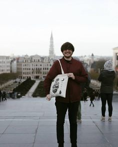 Lloyd Stratton x Awesome Merch collab tote in Brussels!