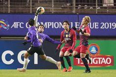 แชมป์เก่าเฉือนหืดยะโฮร์ที่เข้ามาเล่นรอบแบ่งกลุ่มเอเอฟซี แชมเปี้ยนส์ลีก เป็นครั้งแรก 2-1 เมื่อวันที่ 5 มีนาคม การแข่งขันฟุตบอล เอเอฟซี แขมเปี้ยนส์ลีก 2019 รอบแบ่งกลุ่มนัดแรก สาย อี ระหว่าง คาชิมา อันท์เลอร์ส พบ ยะโฮร์ ดารุล ต๊ะซิม ที่สนาม คาชิมา ซ็อคเกอร์ สเตเดียม เวลา 17.00 น. กวางเขาเหล็กแชมป์เก่าเมื่อปีที่แล้วออกสตาร์ทในเจลีกไม่ค่อยดีนักสองนัดไม่ชนะใครเสมอ 1 แพ้ 1 เกมนี้มีการปรับเปลี่ยนตัวผู้เล่นเล็กน้อย เซอร์จินโญ่ ควมถึง เรียวตะ นากาอิ ออกสตาร์ทเป็นแกนหลัก