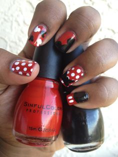 Minnie and Mickey Manicure.  Follow {Pretty In Purple} Polish on Facebook for more nail design updates