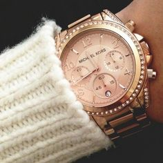 rose gold watch and white wool! #michaelkors