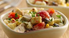 Looking for a Southwestern style dinner? Then check out this cheesy chicken and veggies salad made using Suddenly Salad® ranch and bacon salad mix and Green Giant® SteamCrisp® corn, in just 25 minutes!