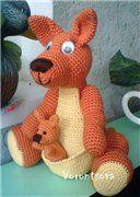 Kangaroo with kengurenkom DIY