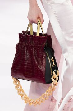 f2f0f5f18d9f Mulberry at London Fashion Week Spring 2018 - Details Runway Photos Purses  And Handbags