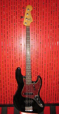 Factory made '66 Fender Jazz Bass