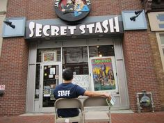 Awesome #Draping photo by Comic Book Men's Ming Chen in front of Jay & Silent Bob's Secret Stash, Kevin Smith's comic book store in Red Bank, NJ.