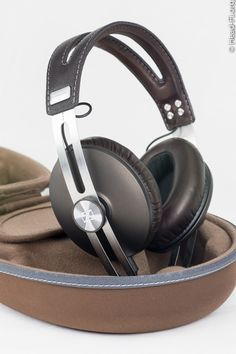 The Sennheiser MOMENTUM. I think it's one of the most beautiful looking headphones currently available.
