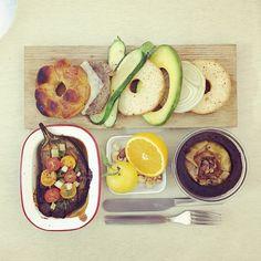 good morning tuesday :-D))) #morning #breakfast #yummy #goodfood #instafood #onthetable  #homemade #foodie #foodstagram #foodphoto #top_food_of_instagram #baking #bagel #bread #almond_cinnamon_apple_choccake #cheesebeef_bagelburger #roast_Welshonion_tomato_eggplant #burger