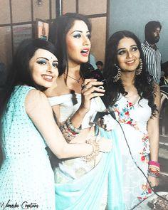 Ishqbaaaz ladies Anika,Gauri and Bhavya Shrenu Parikh, Dil Bole Oberoi, Cute Sister, Surbhi Chandna, Game Of Love, Beauty Photos, Bollywood Celebrities, Friends Forever, Saree