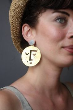 Face earrings - Large Moon Earrings, Gold Moon Face Jewelry, Big Brass Circle Earrings, Hammered Brass with Sterling Silver Studs – Face earrings Gold Bar Earrings, Face Earrings, Emerald Earrings, Moon Earrings, Simple Earrings, Women's Earrings, Garnet Necklace, Turquoise Jewelry, Silver Jewelry