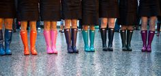 rainbow bridesmaids & their wellies. Winter Wedding Shoes, Rainy Wedding, On Your Wedding Day, Wedding Boots, Dream Wedding, Winter Bride, Autumn Wedding, Wedding Attire, Boots Hunter