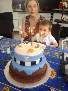 Gâteau d'anniversaire pour les 4 ans de Jean