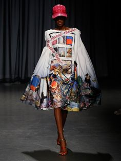 Mary Katrantzou Spring 2019 Ready-to-Wear Collection - Vogue Mary Katrantzou, Over The Top, Fashion Over, High Fashion, Dressing, Costume, Fashion Show Collection, Vogue Paris, Business Fashion