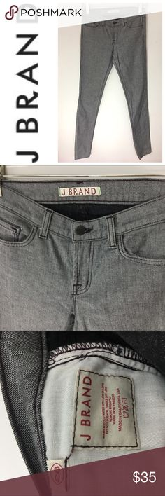 NWOT J Brand grey jeans skinny fit Brand NWOT j brand jeans with black stitch detailing. Size 28. J Brand Jeans Skinny