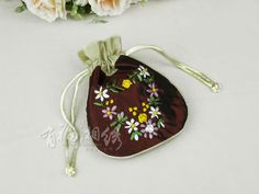 HAND EMBROIDERED COSMETIC BAG   chinese embroidery tutorial