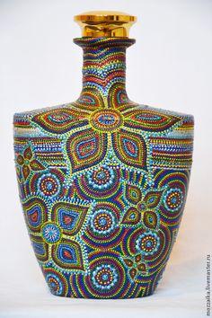 Glass Bottle Crafts, Wine Bottle Art, Painted Wine Bottles, Bottle Drawing, Bottle Painting, Dot Art Painting, Ceramic Painting, Mosaic Bottles, Glass Printing
