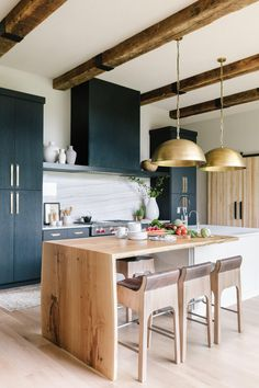 Home Decor Kitchen Interior Design Trends of 2020 Scout & Nimble.Home Decor Kitchen Interior Design Trends of 2020 Scout & Nimble Interior Design Kitchen, Modern Interior, Diy Interior, Green Interior Design, Natural Interior, Bohemian Interior, Minimalist Interior, Interior Decorating, Estilo Shaker