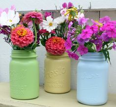Easy spray painted canning jars by Mitzi