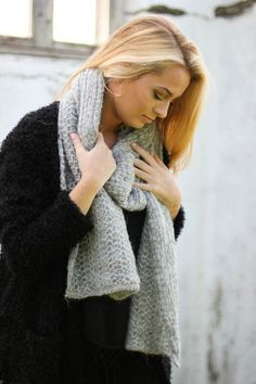 Knitted Icelandic Wool Scarf. from Sunday Creations. Via en.DaWanda.com.