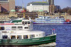 immer wieder schöne Perspektiven.... Hamburg-Hafen: http://www.bilderwerk-hamburg.de/category/hamburg-motive/hamburg-hafen/