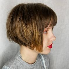 Top 22 Choppy Hairstyles You'll See Right Now Looking for a fun and flirty haircut? Try a choppy hairstyle! These looks are not only fun, but easy to achieve as well. This trend can be worn short,. Angled Bob Hairstyles, Choppy Bob Hairstyles, Short Bob Haircuts, Hairstyles With Bangs, Brunette Hairstyles, Hairstyles 2018, Layered Haircuts, Medium Hairstyles, Latest Hairstyles