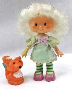 ANGEL-CAKE-SOUFFLE-Pet-vintage-Strawberry-Shortcake-Doll-1982-Box