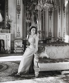 Queen Elizabeth II by Cecil Beaton, White Drawing Room, Buckingham Palace, 1968