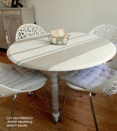 """TABLE ronde """"CHIC BAYADERE"""".... création unique  réalisée par CM HOMEDECO  cette table en bois ,des années 40 ainsi relookée apportera cachet et originalité à votre pièc - 19098983"""