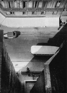 Notre Dame Paris Photo by Anton Stankowski 1930 Old Photography, Amazing Photography, Street Photography, Black White Photos, Black And White Photography, Anton, Birds Eye View, Aerial View, French Vintage