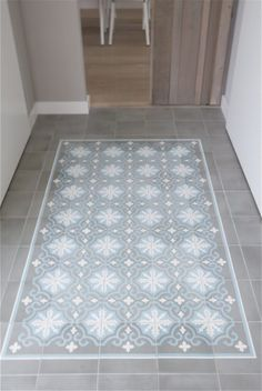 I want these tiles in my laundry! Hallway Flooring, Kitchen Flooring, Flur Design, Encaustic Tile, Best Flooring, Kitchen Trends, House Entrance, Hallway Decorating, House Painting