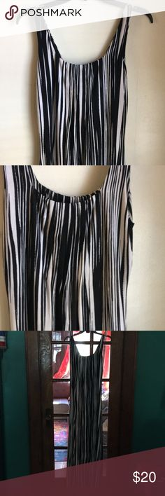 🔥Glamour maxi dress Maxi dress that is very slimming. Gently used.  Pic above used to show how the dress looks on.  Last, gives some styling tips 😘 5%  spandex Glamour & Co. Dresses Maxi