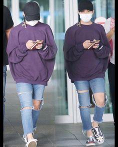這件Ventements真的好好看眼神鞋子 #GD #Gdragon #KwonJiyong #xxxibgdrgn ©with_gdragon Kpop Fashion, Asian Fashion, Mens Fashion, Fashion Outfits, Airport Fashion, G Dragon Fashion, Korean Boys Hot, Bigbang G Dragon, Jiyong