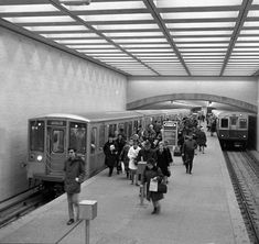 Passengers exiting at Belmont (1970)