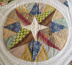 an original trish harper circle Circle Quilts, Quilt Blocks, Tie Quilt, Green Quilt, Foundation Piecing, English Paper Piecing, Quilting Designs, Quilt Design, Textiles