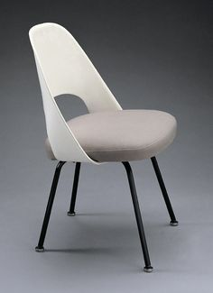 Eero Saarinen; #72PSB Enameled Steel and Vinyl Side Chair, 1948.