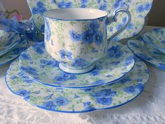 Gorgeous 1930s Royal Albert bone china tea cup set in by ChezElla, $45.00 The perfect item for a nice cup of tea.