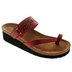 Great sandals. Cute, yet comfy.