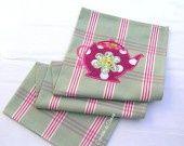 http://www.alittlemarket.com/textiles-et-tapis/torchon_de_cuisine_coton_theiere_a_pois_-4675013.html